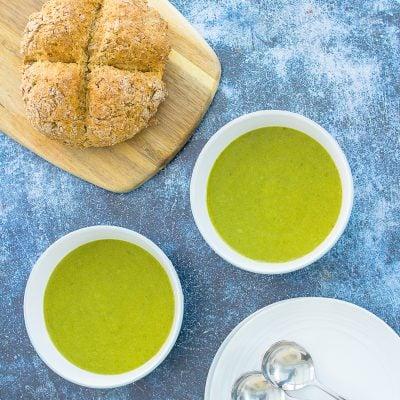Easy Leek and Potato Soup (Vegan)