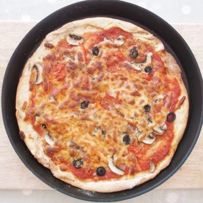 Easy Peasy Homemade Pizzas