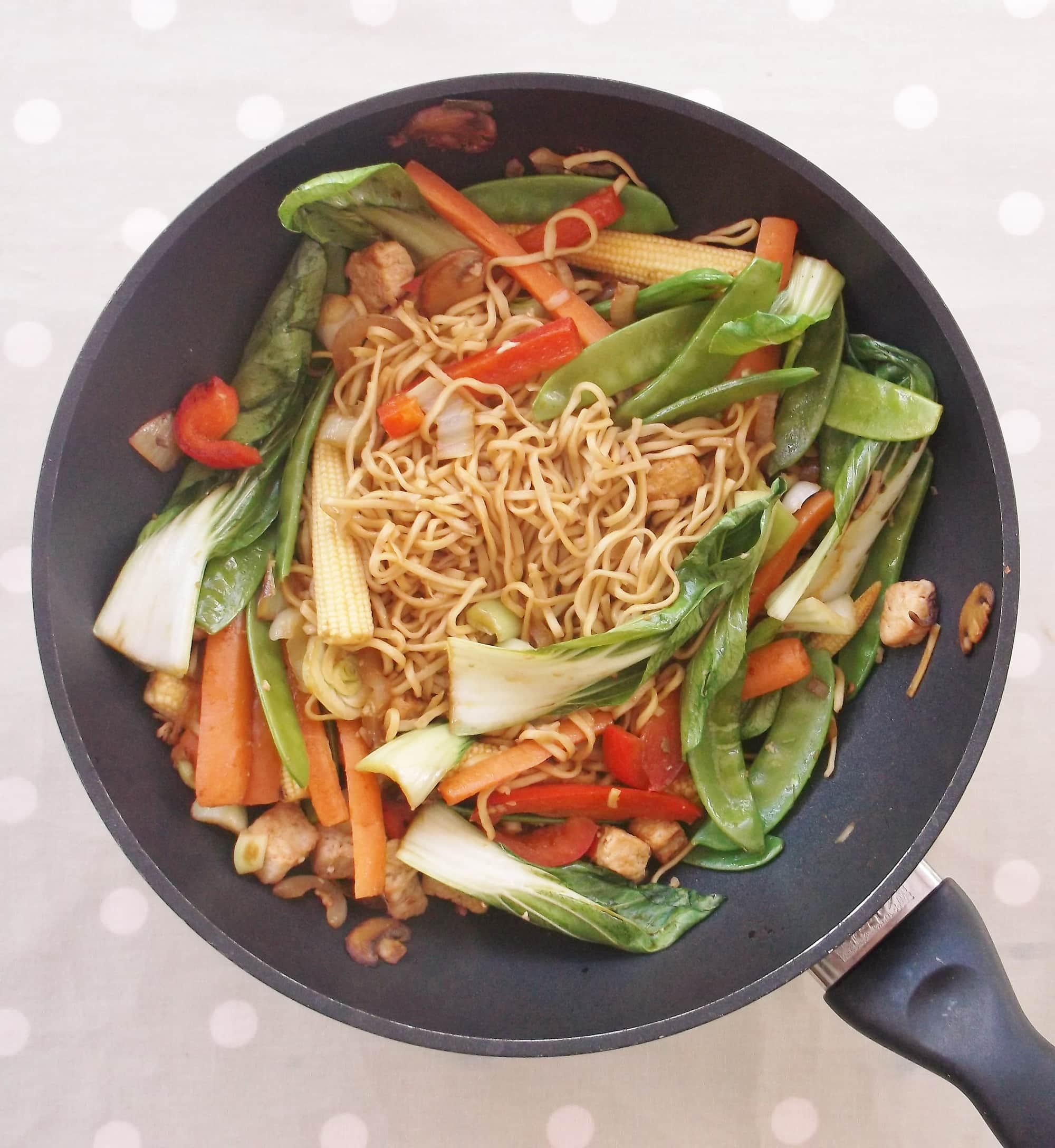 Easy Quorn Stir Fry With Noodles Easy Peasy Foodie