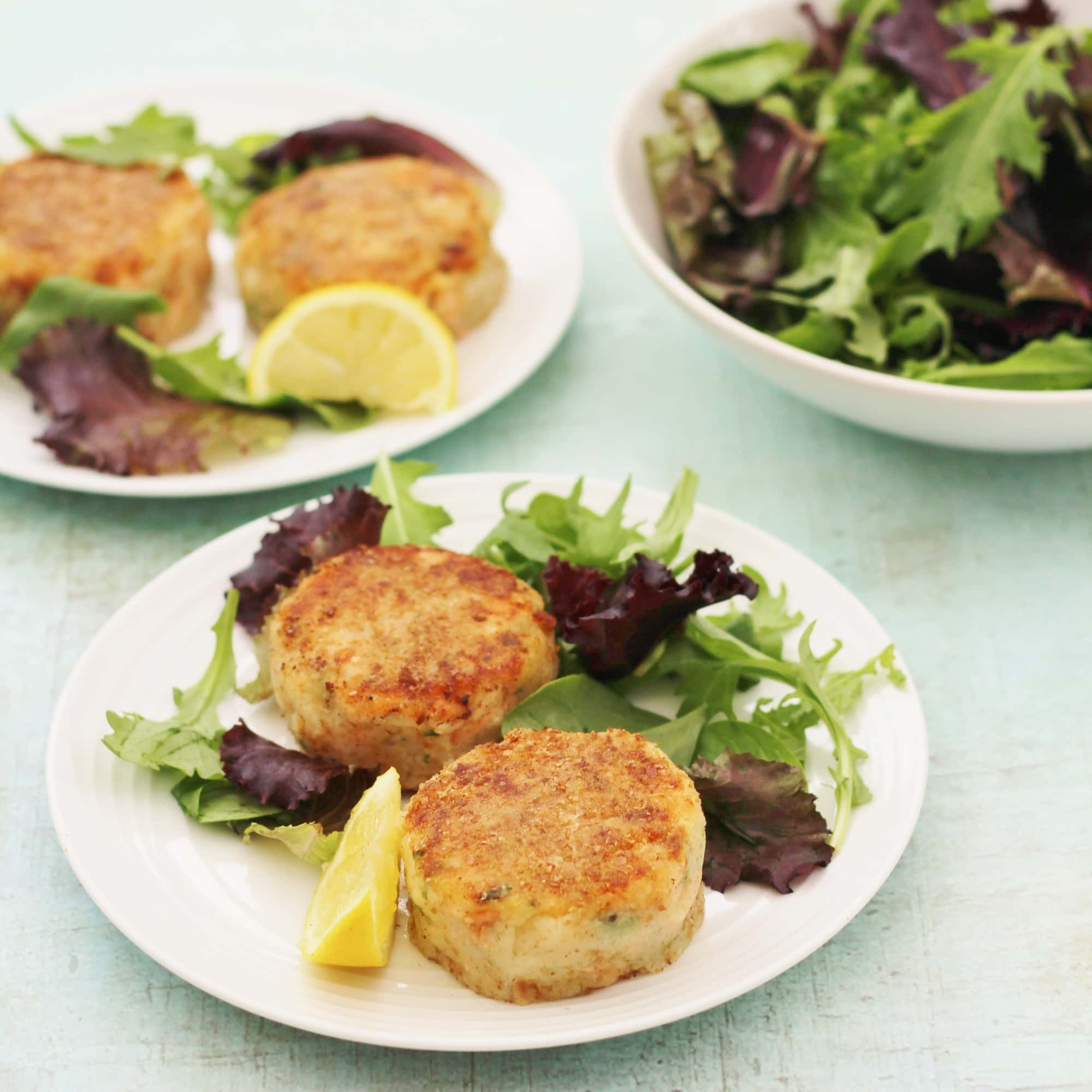 How to make fish cakes using canned salmon howsto co for How to make fish patties