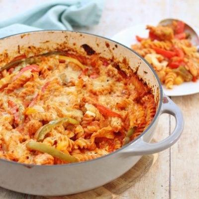 Easy One Pot Chicken Fajita Pasta Bake